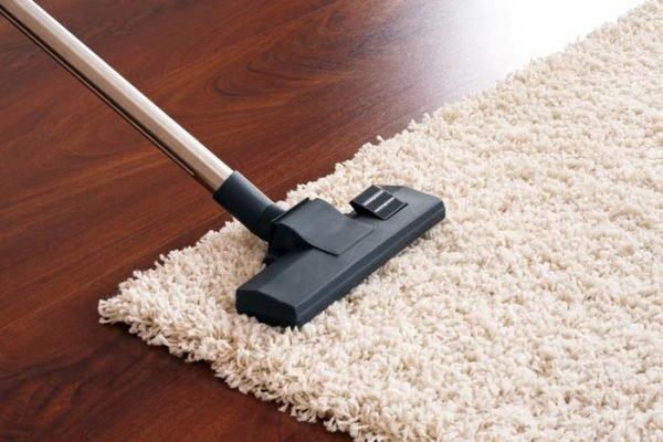 làm sạch thảm trải sàn nhà